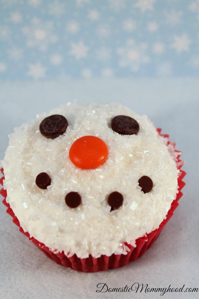 sparkling snowman cupcake